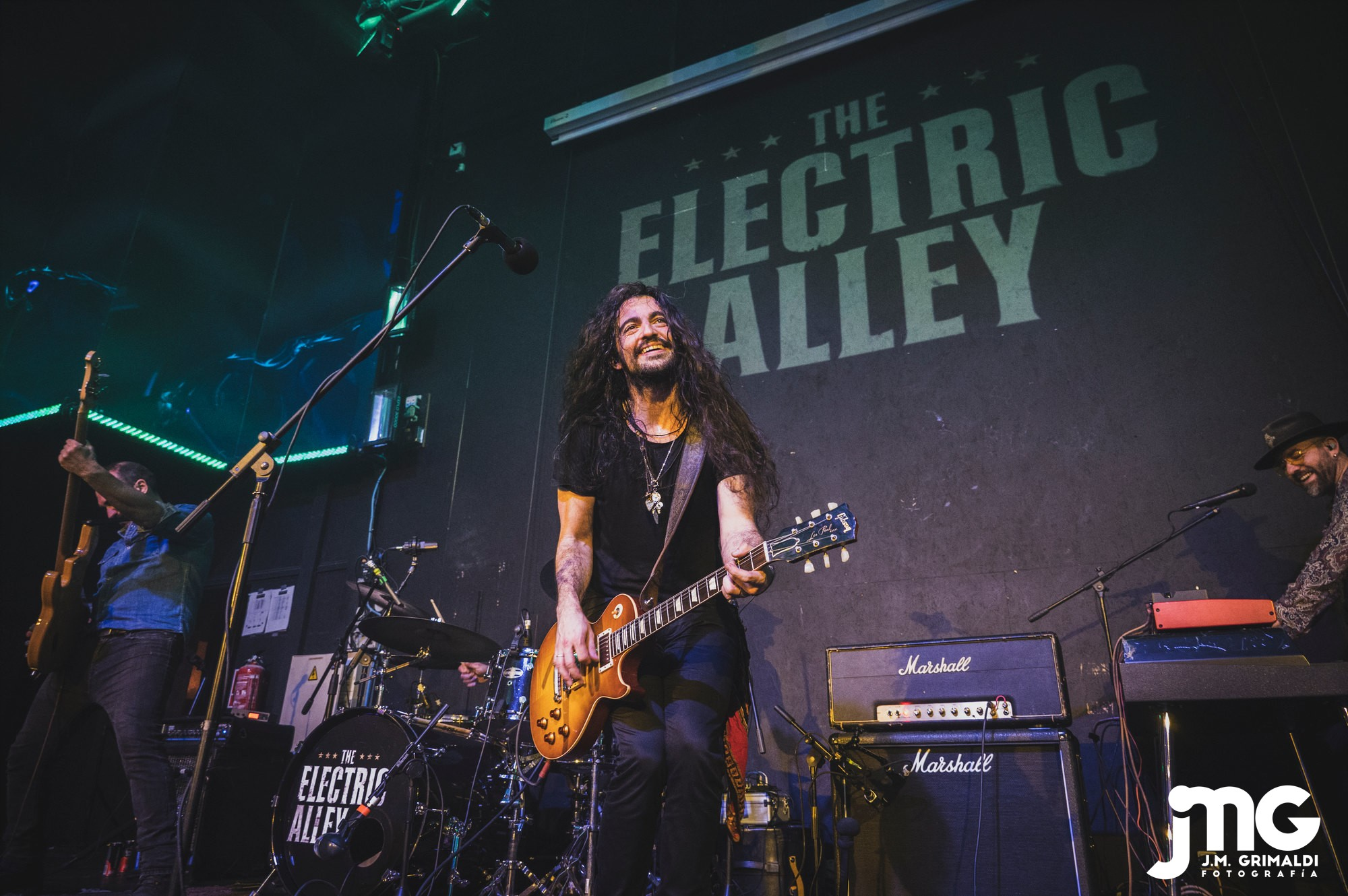 ELECTRIC ALLEY 02_JMZ2707